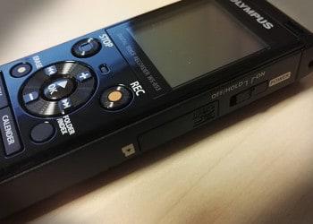 Kompakte digitale Diktiergeräte dominieren heutzutage das Bild
